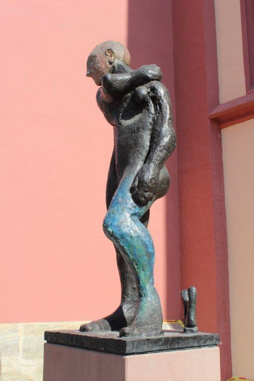Weg moderner Skulpturen